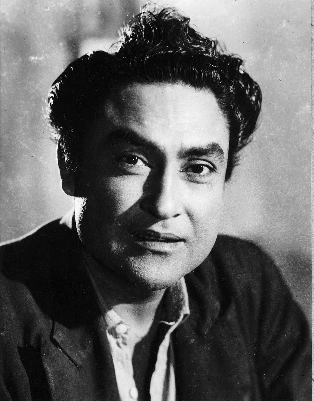 Ashok Kumar movies, filmography, biography and songs - Cinestaan.com