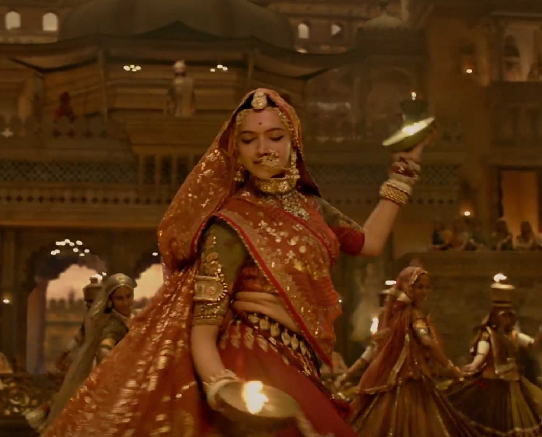 Padmavati song u0026#39;Ghoomaru0026#39; is Sanjay Leela Bhansaliu0026#39;s tribute to brave Rajput women