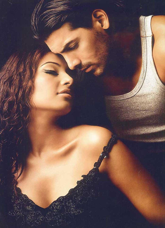 Bipasha Hot Video from bipasha and john's chemistry to seductive melodies: 5