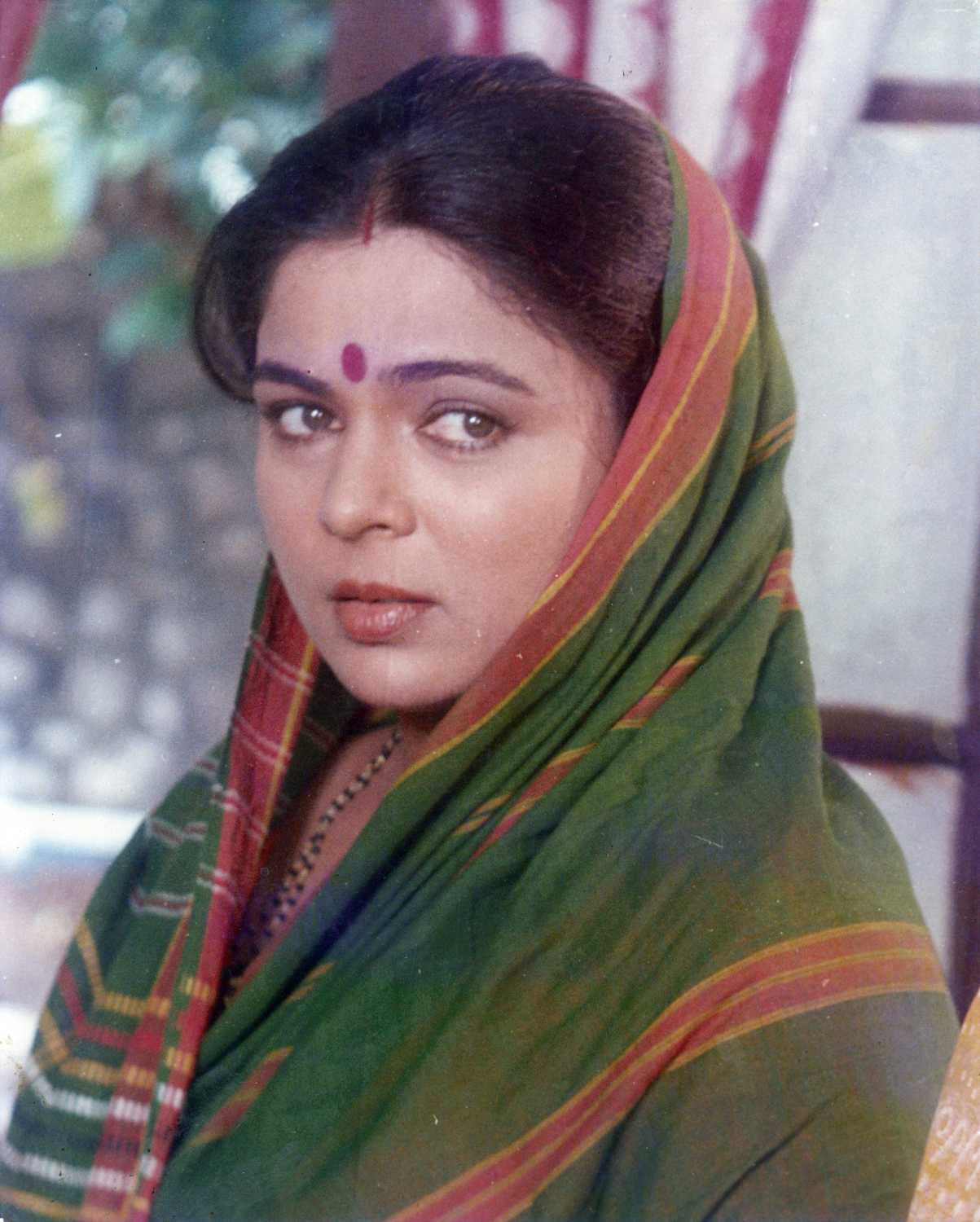 Reema Lagoo movies, filmography, biography and songs - Cinestaan.com