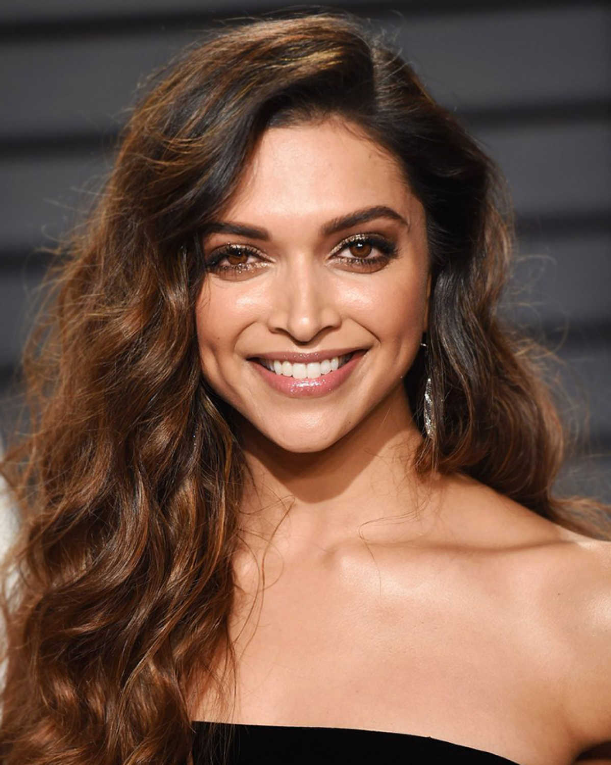Deepika Padukone biography and information - Cinestaan.com