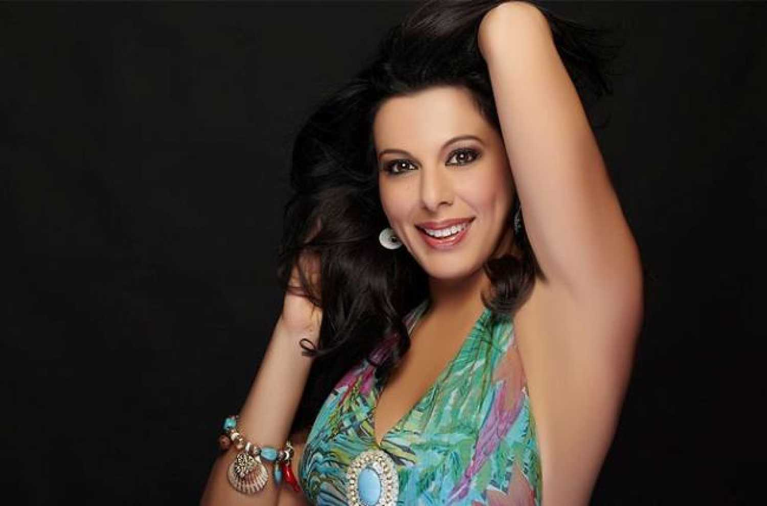 pooja bedi daughter
