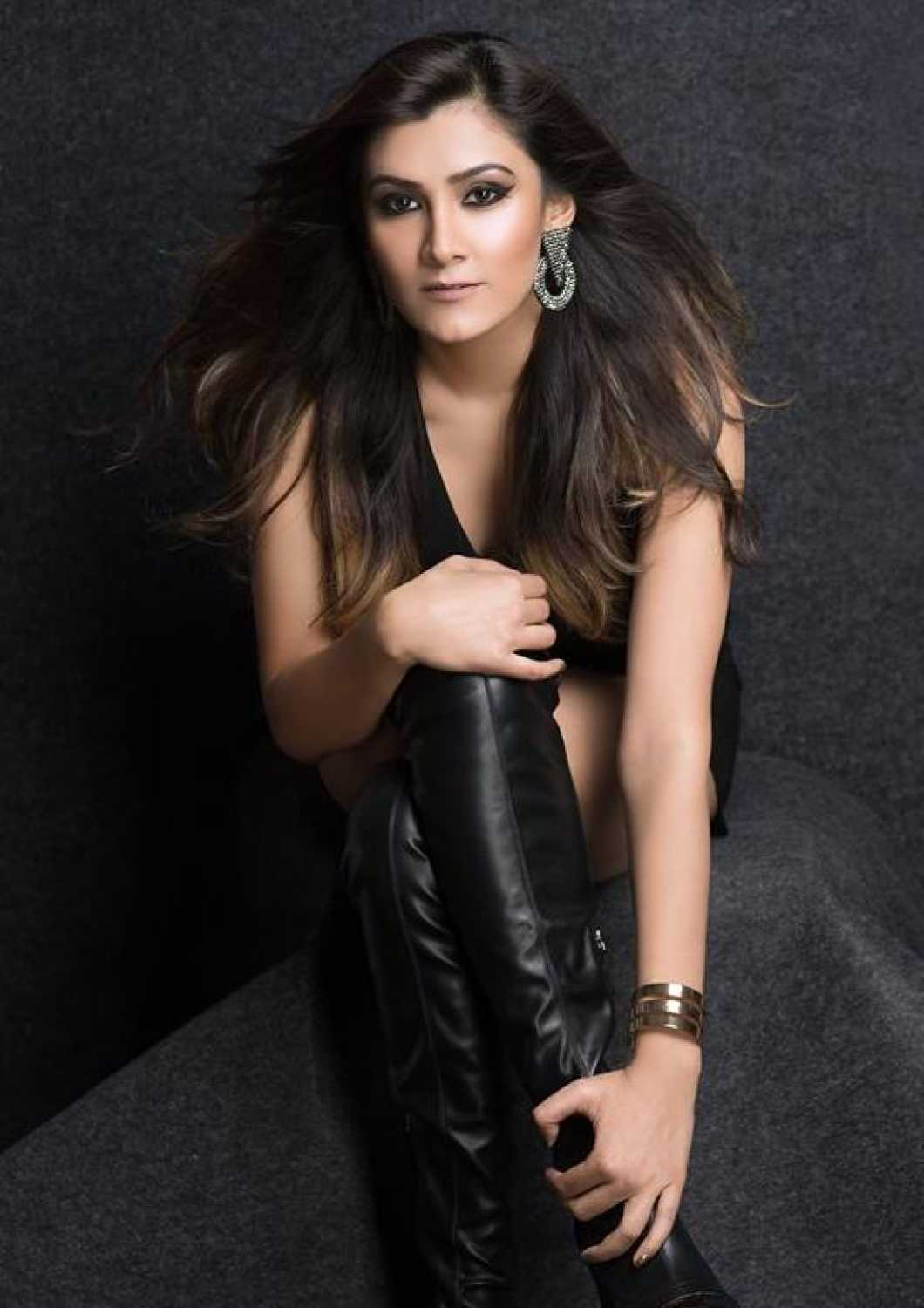 Aastha Gill movies, filmography, biography and songs - Cinestaan.com