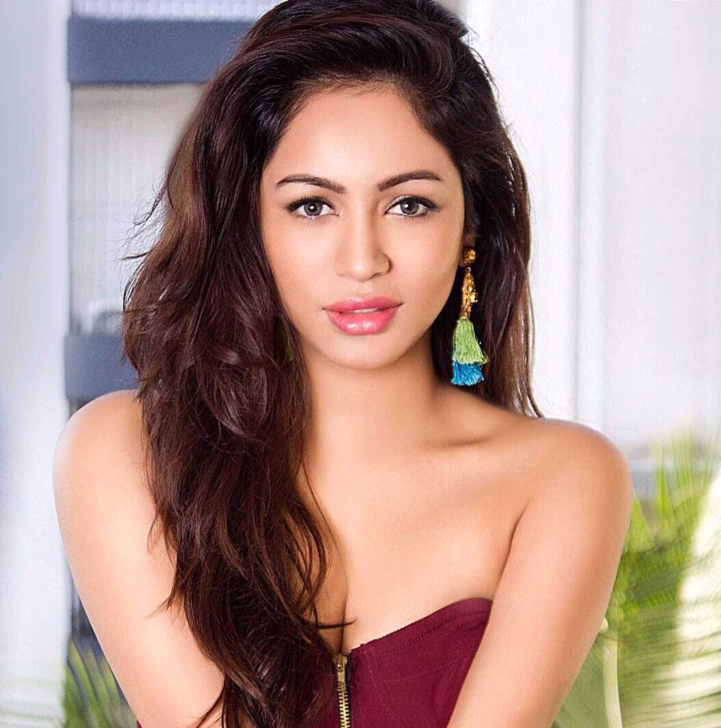 Pooja Bisht movies, filmography, biography and songs - Cinestaan.com