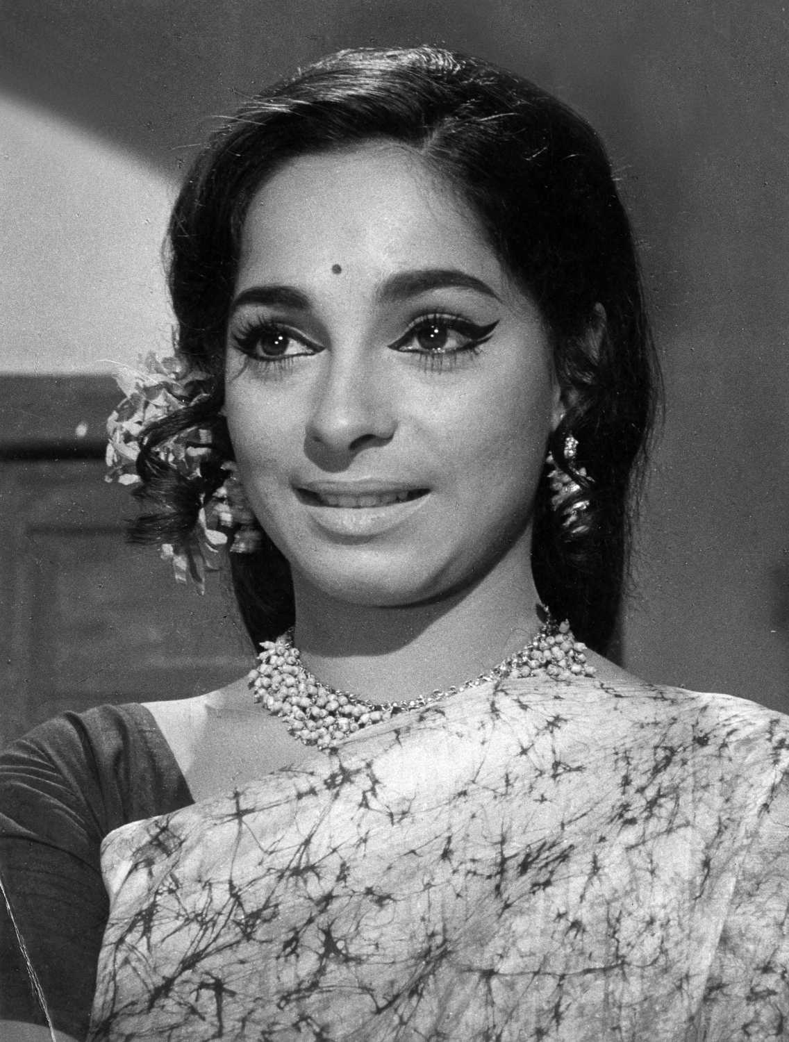 Sonia Sahni movies, filmography, biography and songs - Cinestaan.com