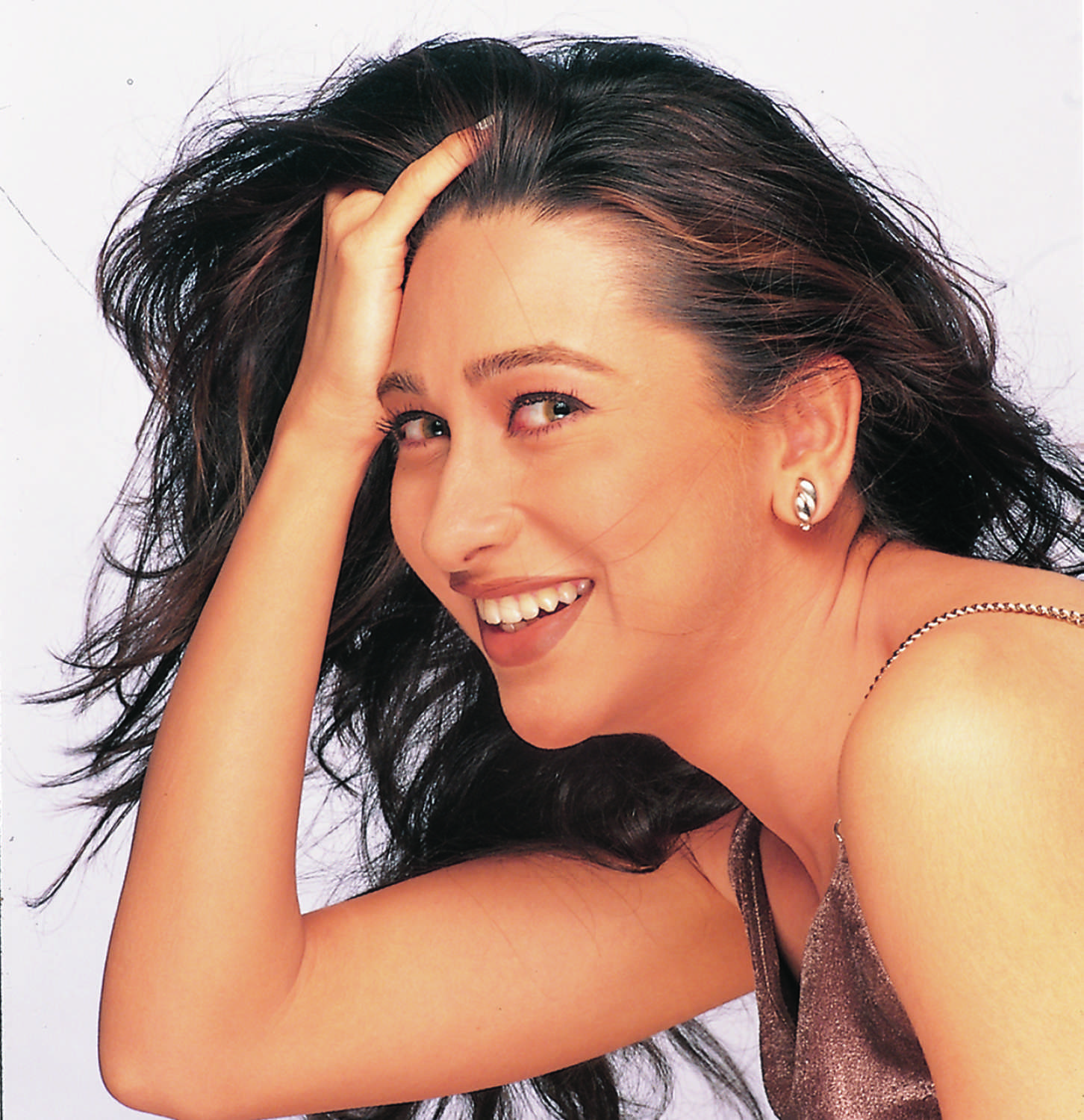 When Karisma Kapoor Proved Her Acting Chops Birthday Special