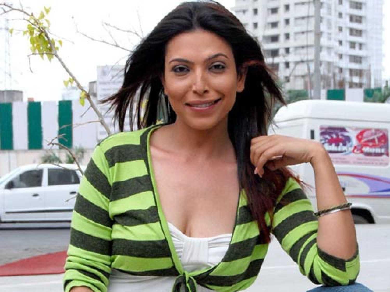 Shilpa Shukla biography and information - Cinestaan.com