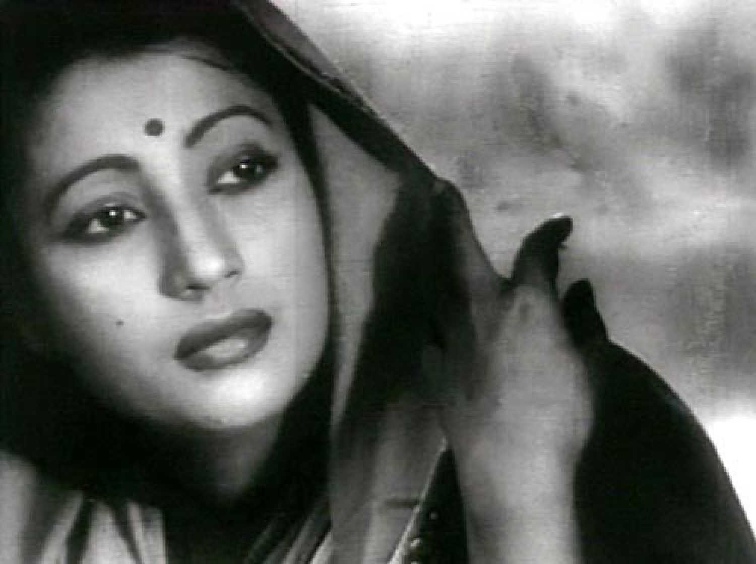 Suchitra Sen Movies Filmography Biography And Songs Cinestaan Com