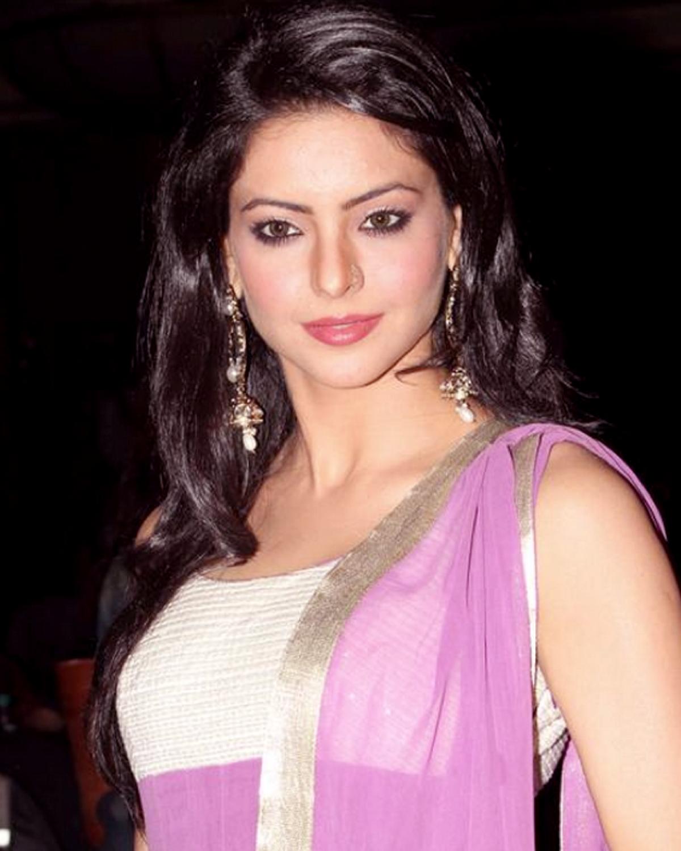 Aamna Sharif Nude Photos 68