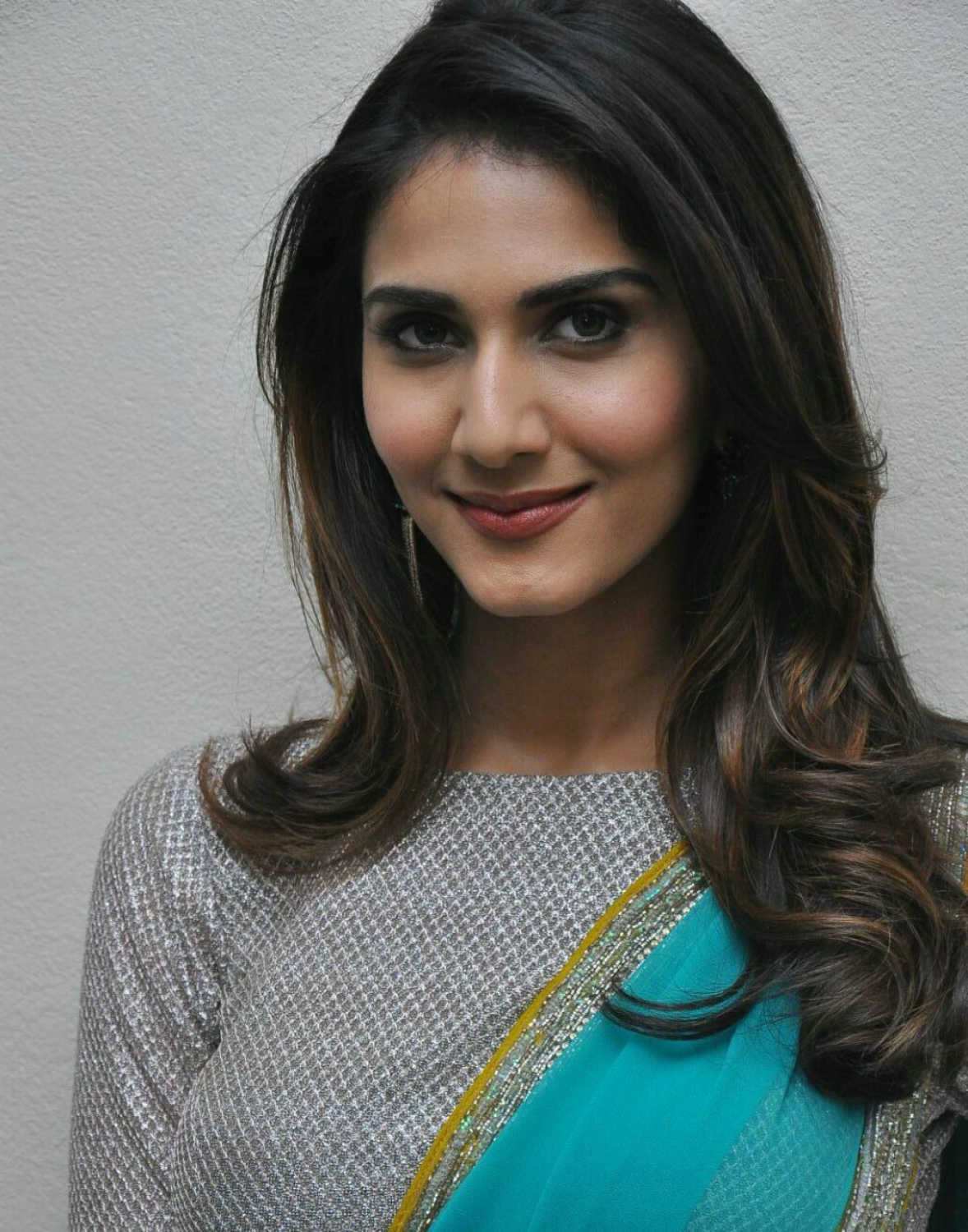 Watch Vaani Kapoor video
