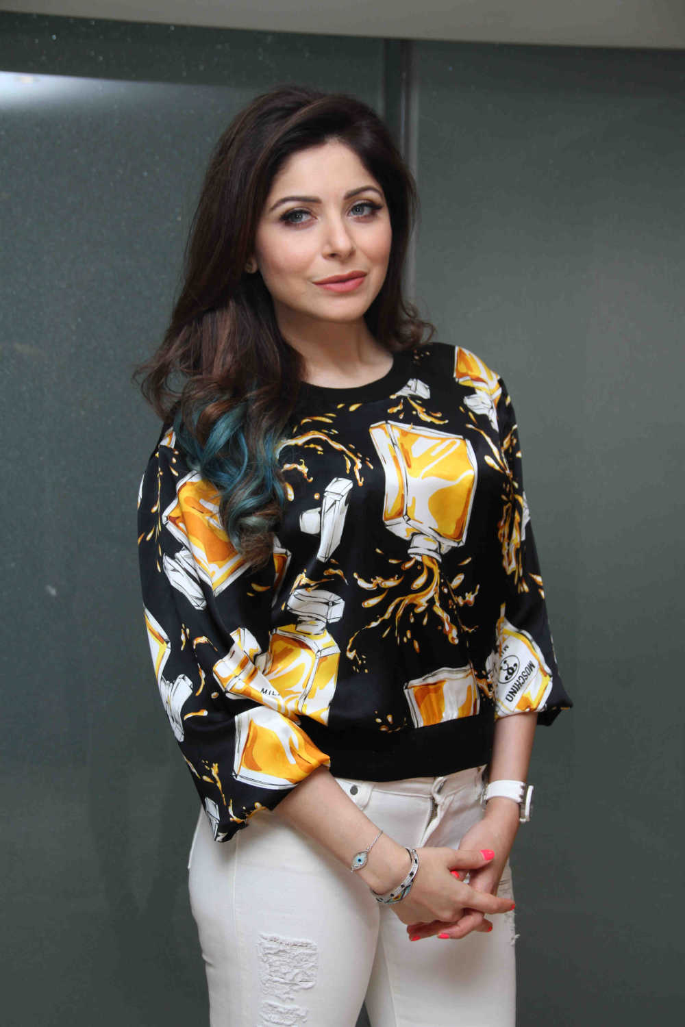 Kanika Kapoor movies, filmography, biography and songs ...