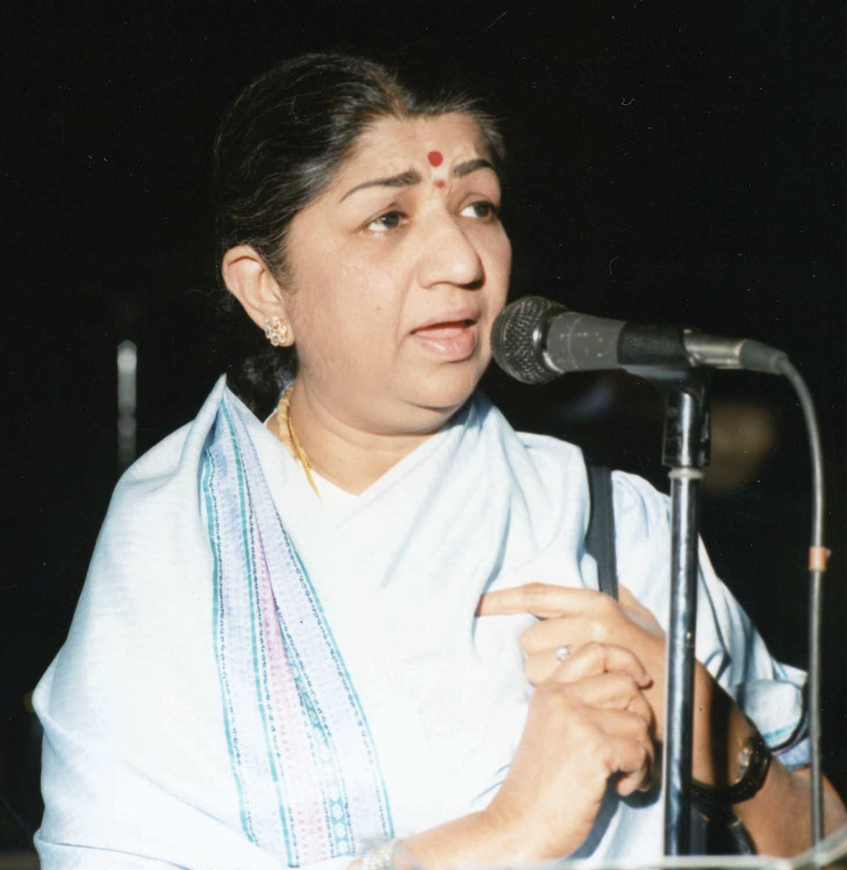 Lata Mangeshkar hospitalized with breathing trouble