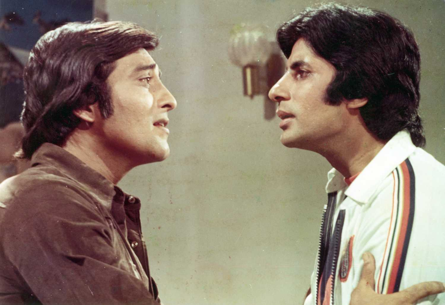 bollywood-ke-kisse-This-incident-happened-to-Vinod-Khanna-because-of-Amitabh