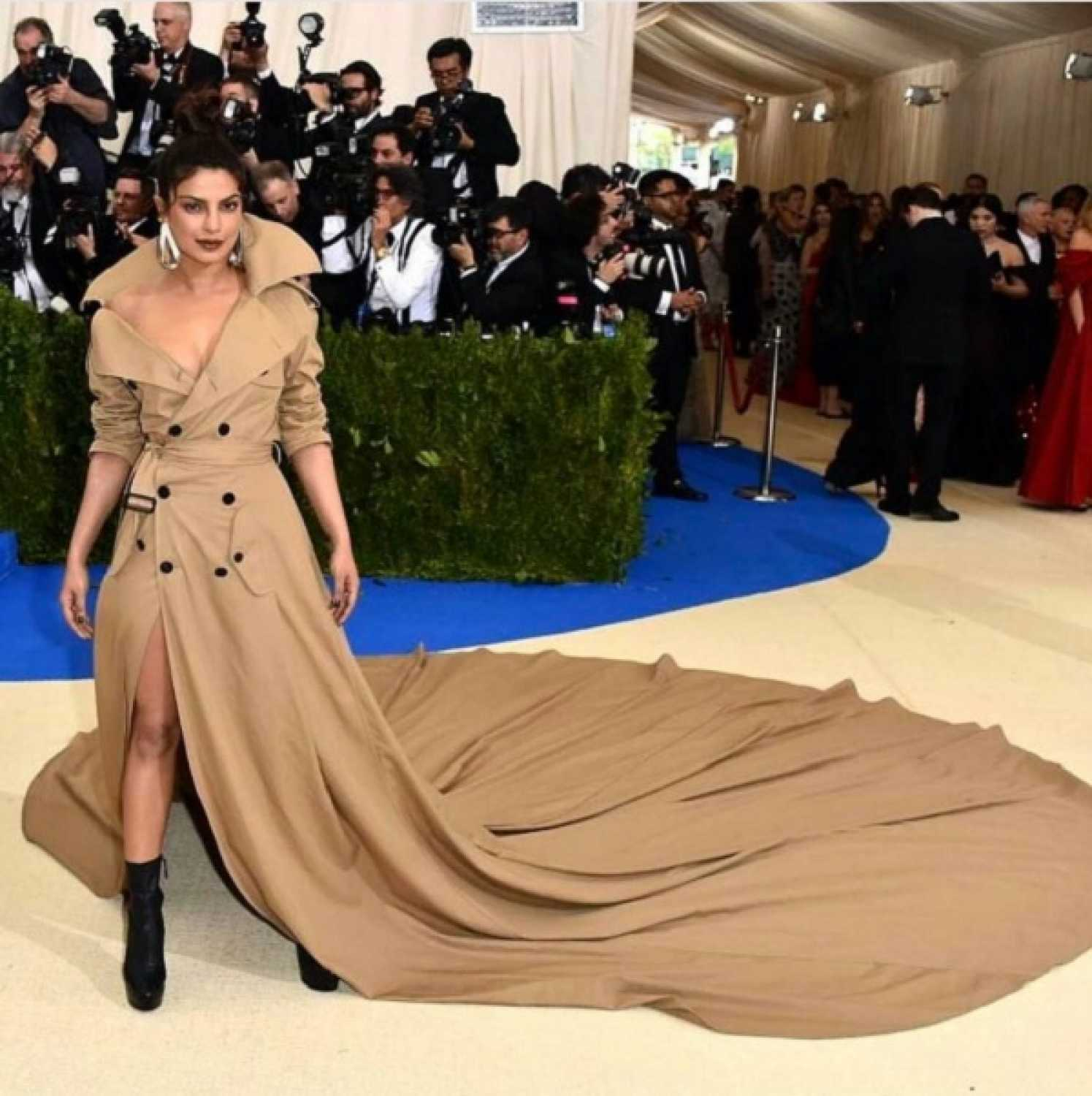 91347 priyanka chopra's met gala trench coat inspires memes, jokes and kudos