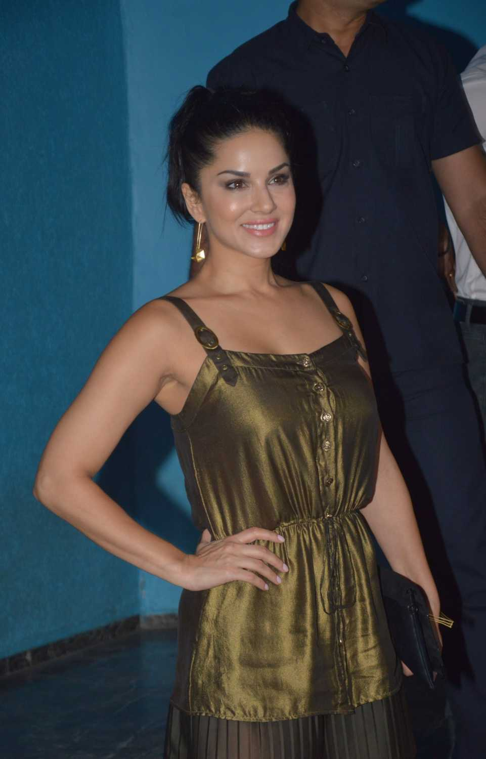 karnataka decides against hosting sunny leone's new year's eve bash