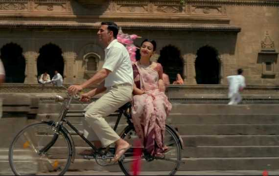 Makers to release Aaj Se Teri song from Padman tomorrow