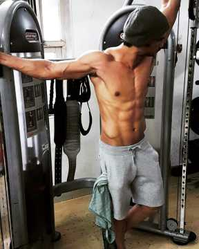 Sushant Singh Rajput Shows Off His Hot Abs, Which film is ...