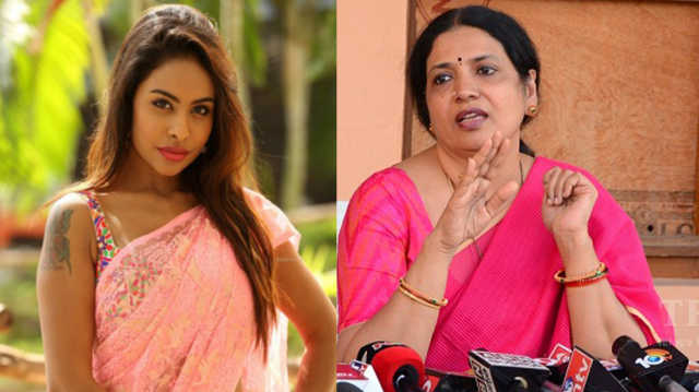 Director Provoked Sri Reddy to Call PK Mad****Od?