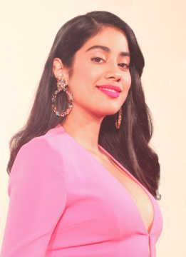 Gunjan Saxena The Kargil Girl 2020 Cast Actor Actress Director Producer Music Director Cinestaan