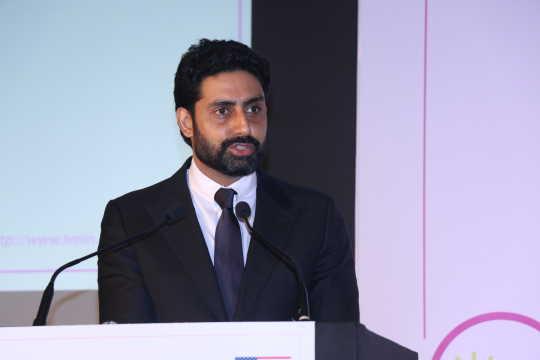 Abhishek Bachchan's Reply is Winning Twitter