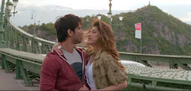 Raabta 'Darasal' Song: Watch Sushant, Kriti Share Romantic